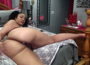 Big black booty shaking nude